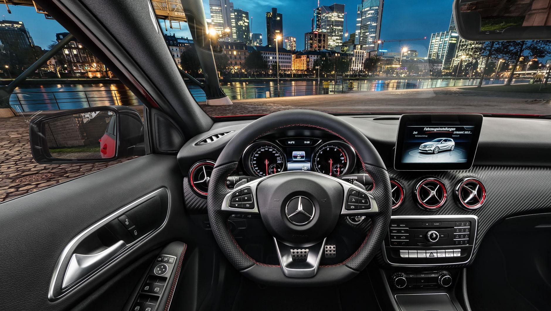 Mercedes Benz Coupe >> Interaktive 360-Grad-Bilder vom Interior verschiedener ...
